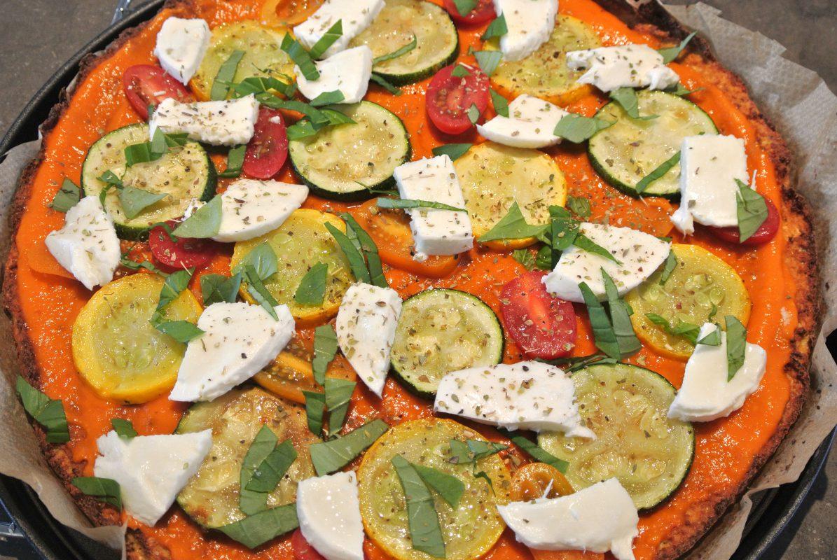 healthy pizza, bloemkoolpizza, bloemkooldeeg, vegetarische pizza, pizza, groentenpizza