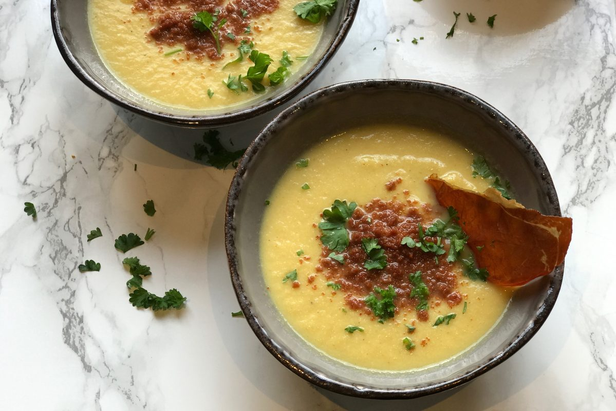 bloemkool currysoep, bloemkool, curry, appel, prosciutto, bloemkoolsoep, currysoep, soep, gezonde recepten, Thermomix, Foodsoul, Thermomix recepten, bloemkoolsoep thermomix