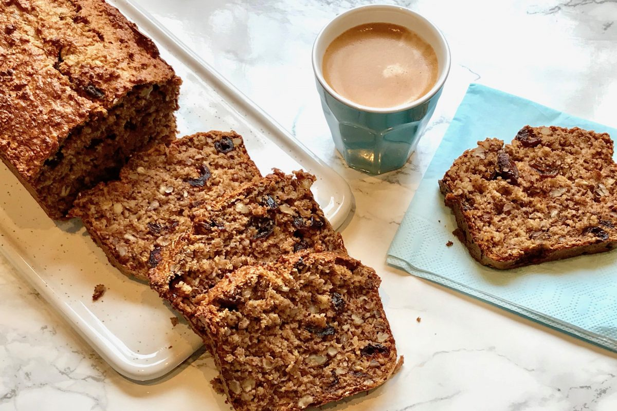 Thermomix, Foodsoul, havermout, ontbijtcake, appelmoes, gezonde cake, gezonde havermoutcake, havermoutcake, ontbijtcake, ontbijtje, gezond ontbijt, Thermomix recepten, gezonde thermomix recepten, cake, gezonde cake, minder suiker